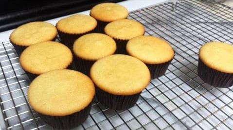 como-hacer-cupcakes-muy-esponjosos